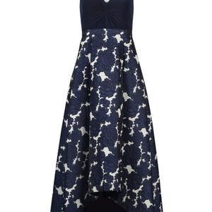 Adrianna Papell Dresses - Adrianna Papell special occasion gown
